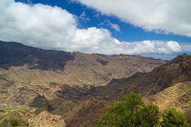 picture of ravines  - La Gomera Canary islands view over Barranco de Cabrito ravine from Degollada de Peraza - JPG
