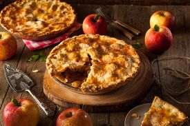 foto of crust  - Fresh Homemade Apple Pie with a Flakey Crust - JPG