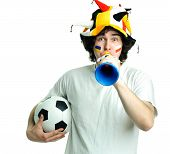 Постер, плакат: Футбольный болельщик с мячом и труба