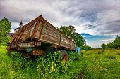 picture of lorries  - Old lorry in the field - JPG