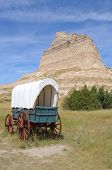 pic of covered wagon  - Scotts Bluff and covered wagon - JPG