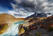 Постер, плакат: Водопад в Торрес дель Пейн Национальный парк Патагония Чили
