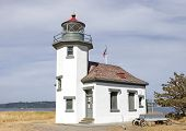 image of mauri  - The old light lighthouse at pt - JPG