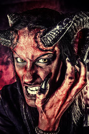 picture of hade  - Portrait of a devil with horns - JPG