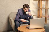 Business Correspondence. Modern Businessman. Businessman Work Laptop. Responding Business Email. Sur poster