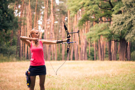 picture of longbow  - Selective focus on the lovely young fair - JPG