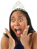 Постер, плакат: Красивый двадцать то женщина в платье женщина blue Пажант в короне с удивлен «я выиграл » выглядят o