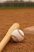pic of infield  - Baseball  - JPG