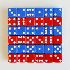foto of augen  - Wuerfel Spiel game play dice rot blau number - JPG