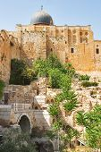 picture of aqsa  -  Ancient walls of Jerusalem and a dome of a mosque  - JPG