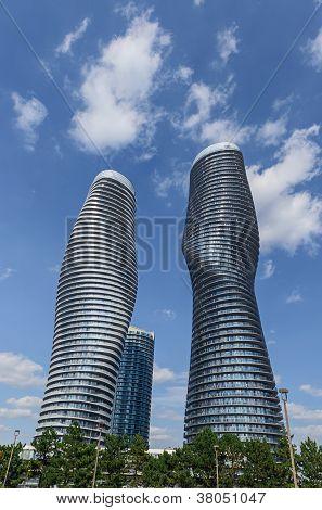 Modern Condos In Mississauga Ontario