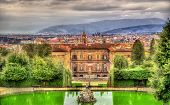 image of apennines  - View of the Palazzo Pitti in Florence  - JPG