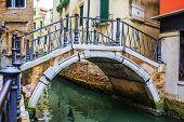 pic of tenement  - Venice - JPG