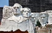 picture of mount rushmore national memorial  - Mount Rushmore replica in Pattaya Province  - JPG