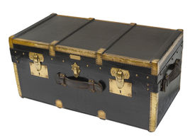 picture of yesteryear  - Antique steamer trunk in brass and wood custom made in Paris before WWII - JPG
