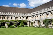 image of quadrangles  - Quadrangle with cloisters at Magdalen College Oxford - JPG