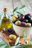 picture of kalamata olives  - Mixed marinated olives  - JPG