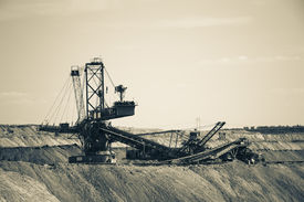 picture of dredge  - a working coal - JPG
