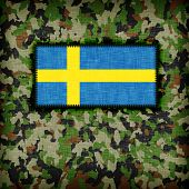picture of ami  - Amy camouflage uniform with flag on it Sweden - JPG