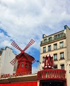 picture of moulin rouge  - Parisian cabaret  - JPG