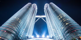 picture of petronas twin towers  - Twin tower - JPG