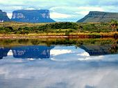 picture of canaima  - Beautiful reflections on the Churun River - JPG