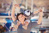 image of dock  - Happy family - JPG