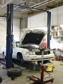 picture of car repair shop  - work shop - JPG