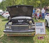 Gmc Cabalerro Engine View