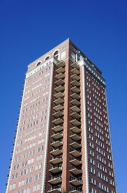 picture of high-rise  - Image of a high rise apartment building - JPG
