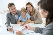 image of family planning  - Family meeting real - JPG