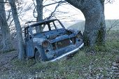 pic of scrap-iron  - old car  - JPG