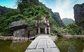 picture of dong  - Bich Dong Pagoda in Ninh Binh - JPG