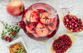 image of cardamom  - Fruit tea from apples - JPG