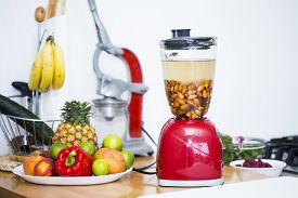 picture of blender  - Blender with soaked almonds - JPG