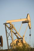 pic of nod  - Image of a pumpjack type oil pump - JPG