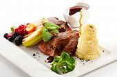 foto of barbary duck  - Duck Served with Fruits - JPG