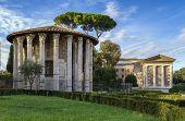 foto of hercules  - The Temple of Hercules Victor  - JPG