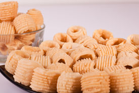 pic of urad  - Seepu Seedai is a traditional snack from South India which is made with rice flour - JPG