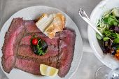pic of chateaubriand  - Well roast beef thinly sliced - JPG