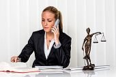 foto of proceed  - business woman sitting in an office - JPG