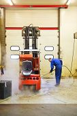 picture of water jet  - Worker - JPG