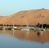 foto of aswan dam  - The river Nile near Aswan - JPG