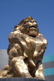 foto of las vegas casino  - A large golden statue of a lion at the MGM hotel and casino in Las Vegas - JPG