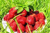 foto of strawberry  - juicy strawberry - JPG