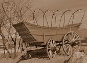 picture of covered wagon  - Covered wagon from the pioneer - JPG