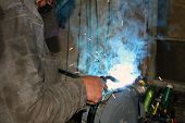 ������, ������: Welding Of Metal By Argon