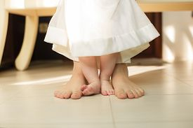 picture of foot  - mother - JPG