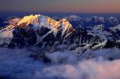 Постер, плакат: Цвета восход солнца над Кавказом