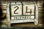 image of 24th  - A nice wooden nostalgic calendar showing the 24th of December - JPG